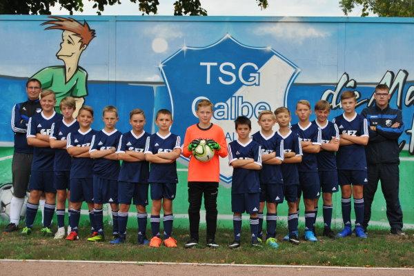 Die neue D-Jugendmannschaft der TSG Calbe stellt sich vor. | Foto: Verein