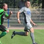 Die TSG Calbe um David Lull (r.) empfängt im Sachsen-Anhalt-Pokal den Favoriten Haldensleber SC aus der Verbandsliga. | Foto: Kevin Sager