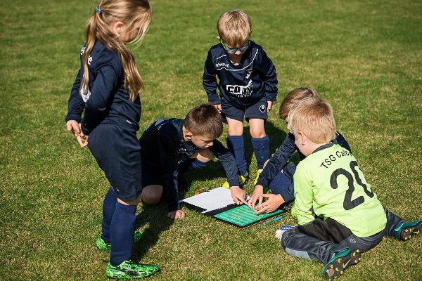 Taktik wird bereits bei den Kleinsten groß geschrieben. | Foto: Verein