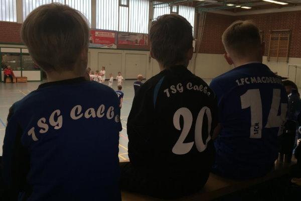 Gemeinsames Fußballgucken vor dem Halbfinale FCM gegen TSG Calbe. | Foto: Verein