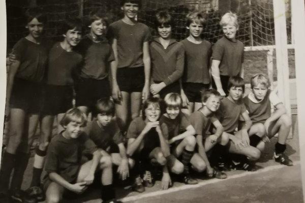 Die Calbenser Schülermannschaft in der Saison 1980/81.   Foto: Verein