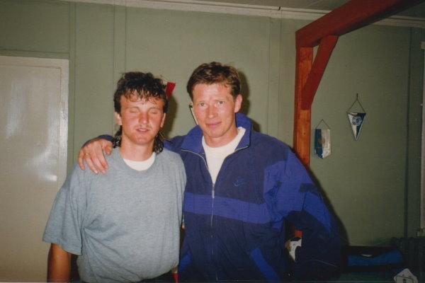 Kai Resch mit einem Erinnerungsfoto mit BVB-Profi Stefan Reuter.