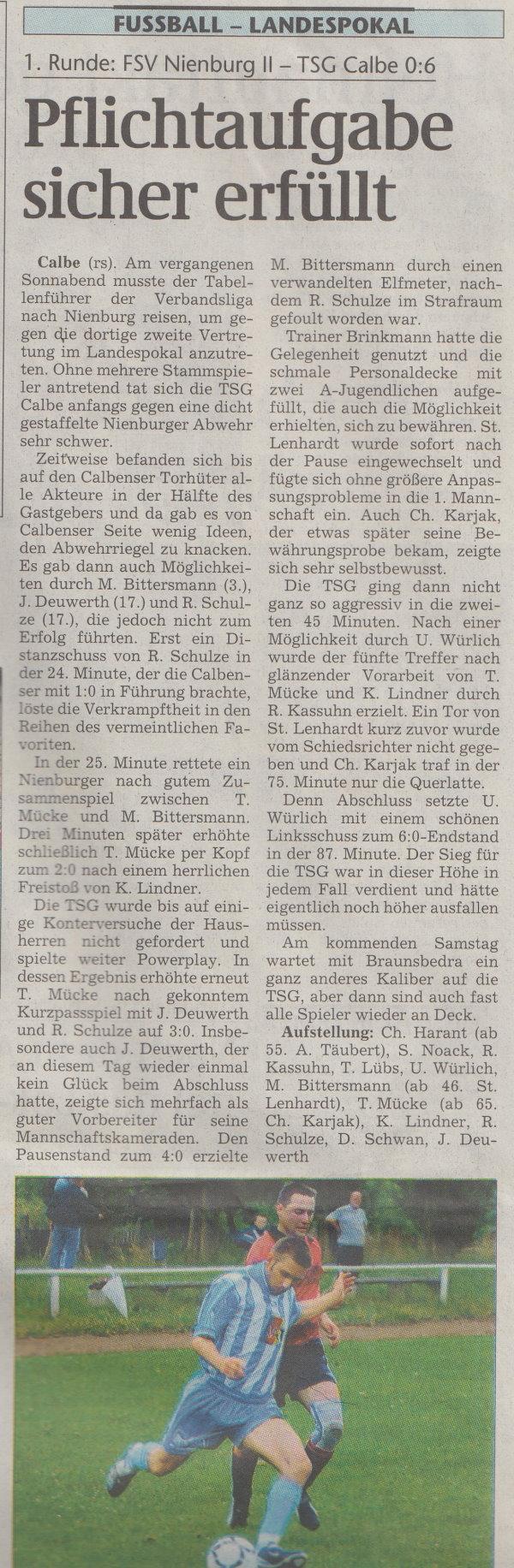 Volksstimme-Artikel zum Pokalspiel vom 12. August 2002.