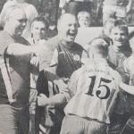 Kollektiver Jubel bei den Saalestädtern nach dem vorentscheidenden Treffer zum 3:0 durch Heiko Dannat (Nr. 15) in der 85. Minute.