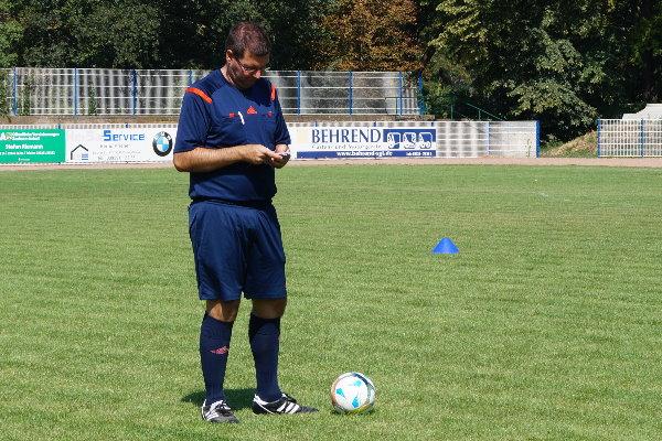 Schiedsrichter Marcel Kautz beim Sommercup der G-Jugendkicker im Hegerstadion. | Foto: Verein