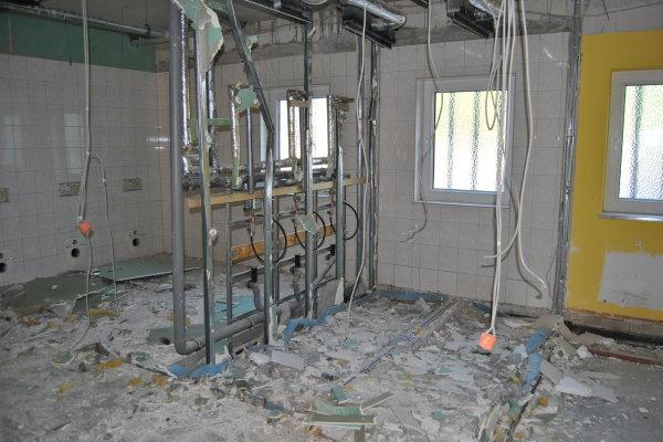 Zwischenwände und Teile des Bodens wurden bereits entfernt.   Foto: Verein