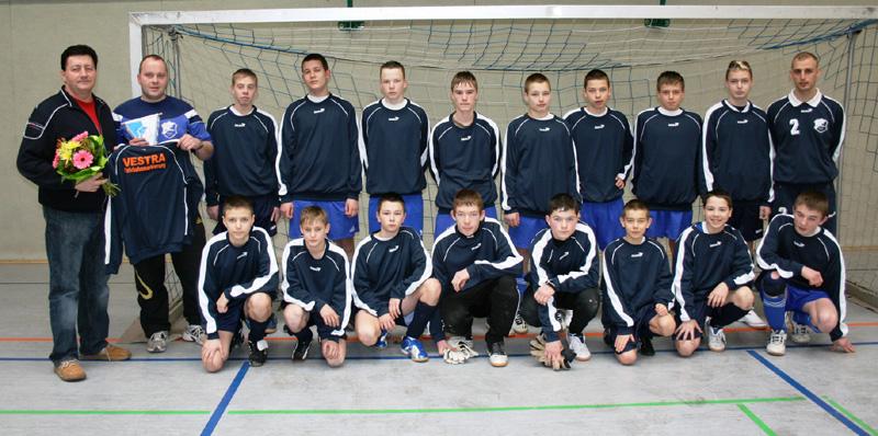 Peter Naumann (links) unterstützt erneut die TSG-Fußballer